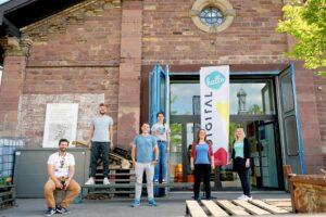 Gruppenfoto der Vor-Ort-Crew bei der hallo.digital Convention 2020