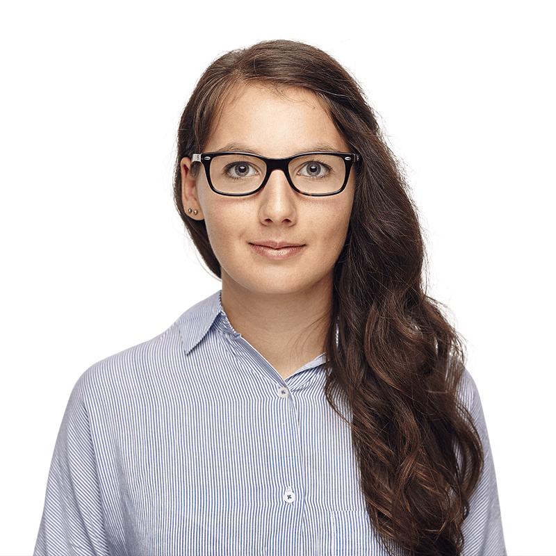 Profilfoto von Anna Gienger, SEO-Expertin von den netzstrategen und Speaker der hallo.digital Convention 2021