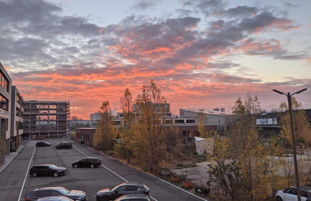 Schlachthof Karlsruhe Sonnenuntergang Parkplatz Bild für Blogpost Online Kurse
